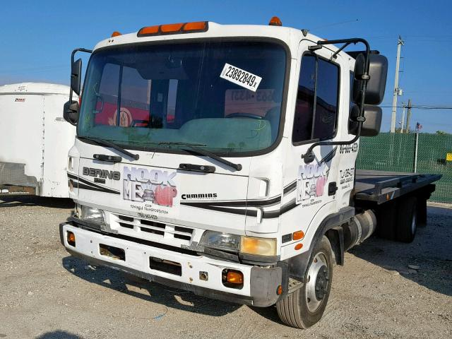 KMFPB69B2YC005246 - 2000 BERING MD26M WHITE photo 2