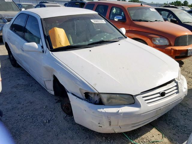 1999 TOYOTA CAMRY LE,