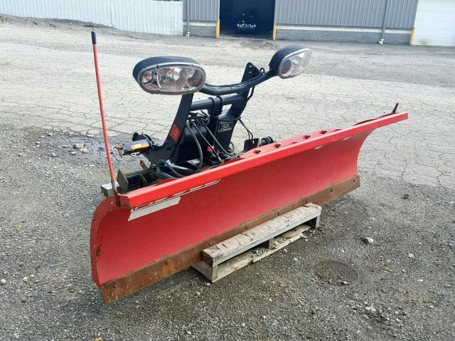 BC043821 - 2000 BOSS PLOW RED photo 1