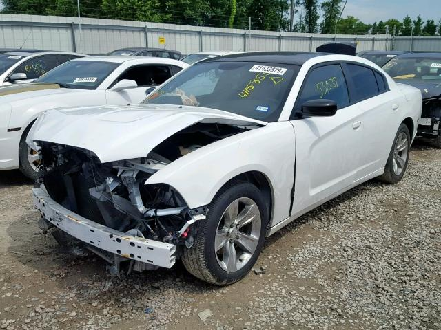 2C3CDXBG3DH639676 - 2013 DODGE CHARGER SE WHITE photo 2