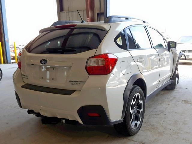 JF2GPABC2H9216058 - 2017 SUBARU CROSSTREK WHITE photo 4