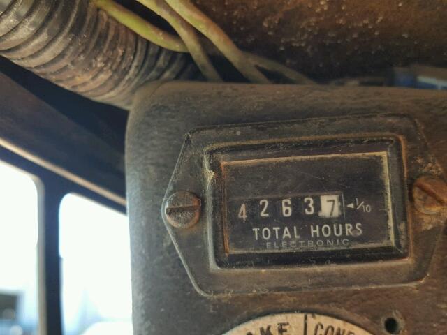 5019M26816 - 1991 BOBCAT 743 WHITE photo 8