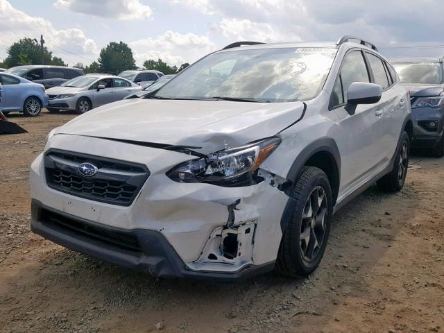 JF2GTADC1JH322263 - 2018 SUBARU CROSSTREK WHITE photo 2