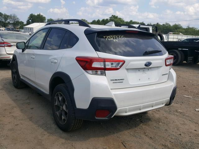 JF2GTADC1JH322263 - 2018 SUBARU CROSSTREK WHITE photo 3
