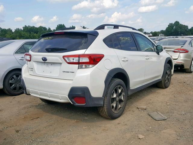 JF2GTADC1JH322263 - 2018 SUBARU CROSSTREK WHITE photo 4