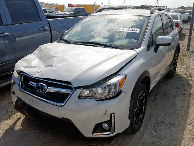 JF2GPABC2H9216058 - 2017 SUBARU CROSSTREK WHITE photo 2