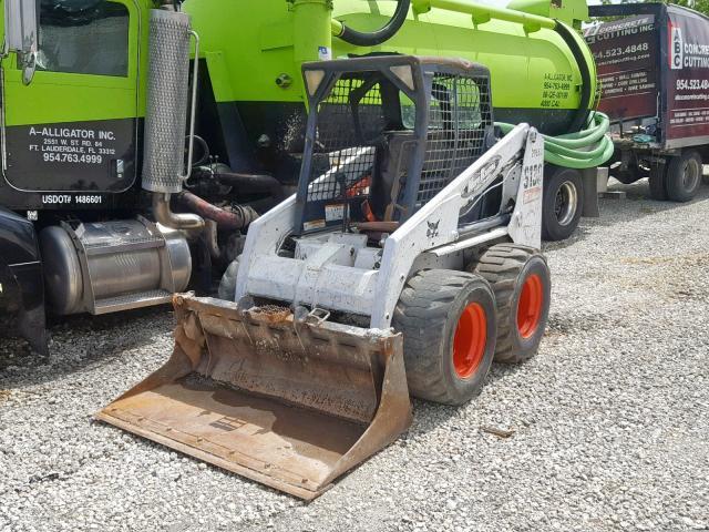 529211657 - 2006 BOBCAT S130 SKIDS WHITE photo 2